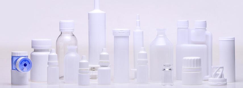 Пластичная фармацевтическая бутылка, как стоять в упаковке